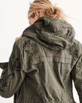 これからの季節に薄手Womens Embroidered Twill Parka