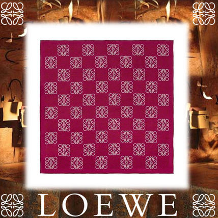 17AW☆LOEWE☆赤紫 90×90 Anagram All Over スカーフ シルク♪