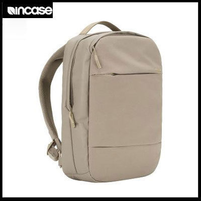 (インケース) City Compact Backpack Dark Khaki CL55506