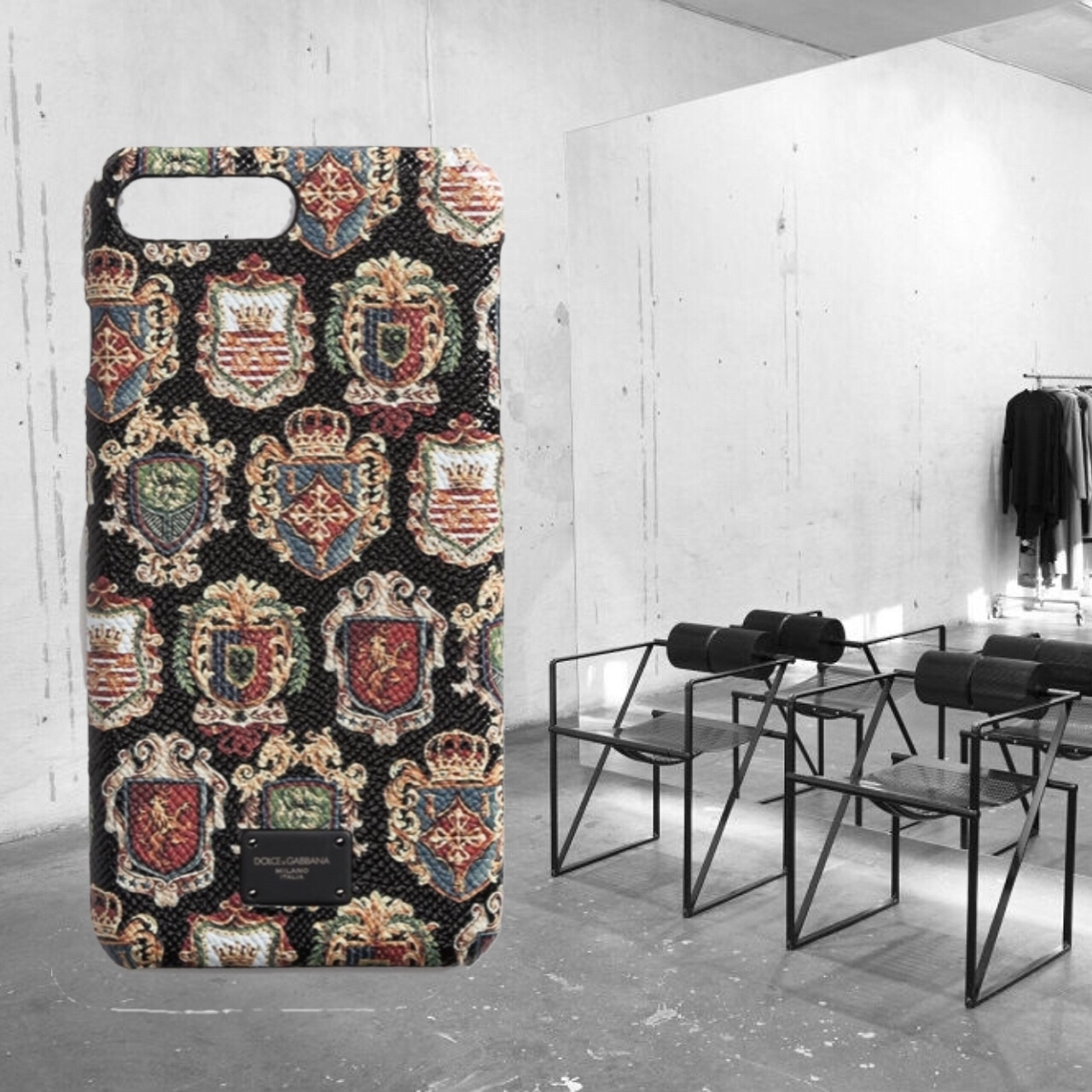 【Dolce & Gabbana】Coat Of Arms Print IPhone 7 Case