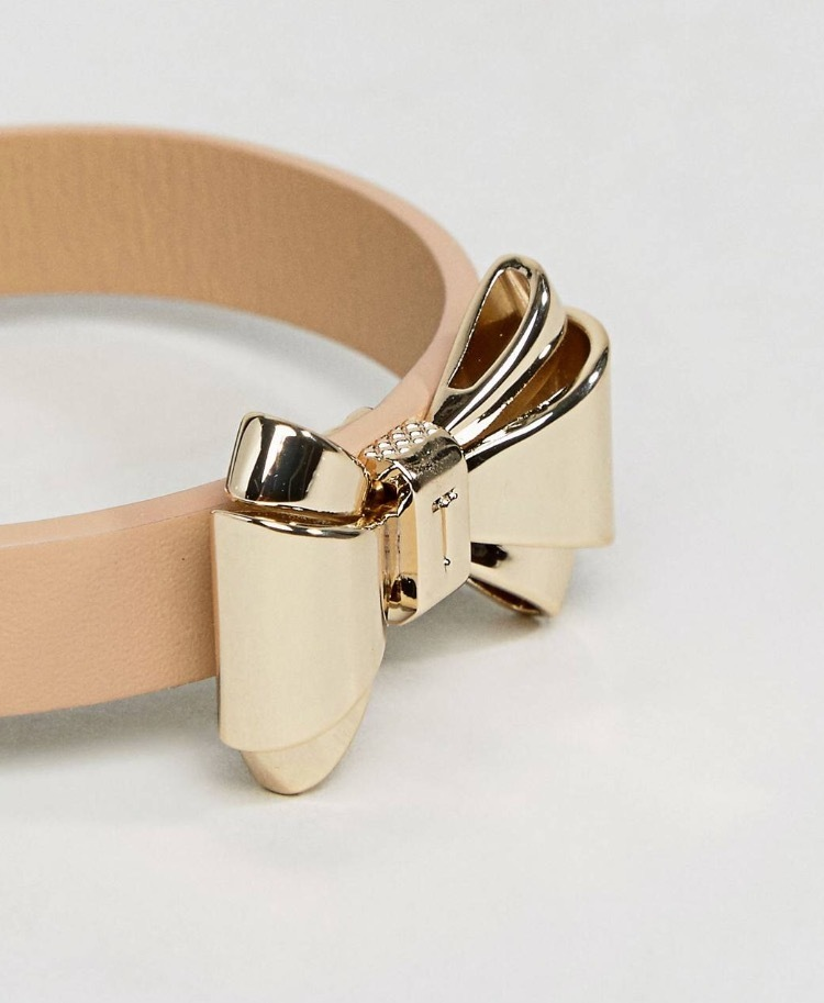 国内発[関税・送込]Ted Baker Curved Bow Leather Bracelet