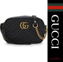 【国内発送】GG Marmont mini quilted leather cross-body bag