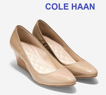 Cole Haan Emory Luxe Wedge (65mm) / Maple Sugar Patent