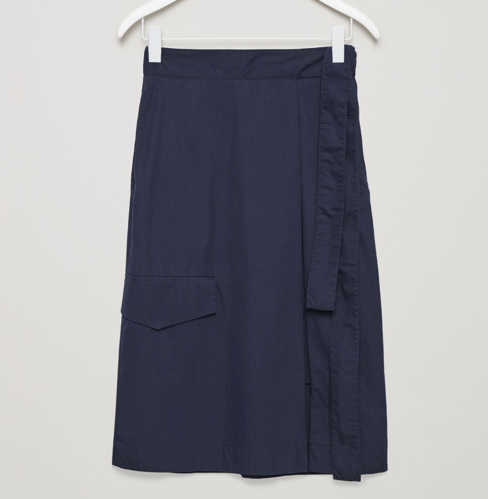 """COS""UTILITY WRAP SKIRT DARKNAVY"