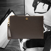 Gucci★GG Marmont grained-leather pouch ブラウンカラーポーチ