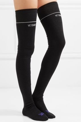★関税負担★VETEMENTS★ INTARSIA-KNIT KNEE-HIGH SOCKS