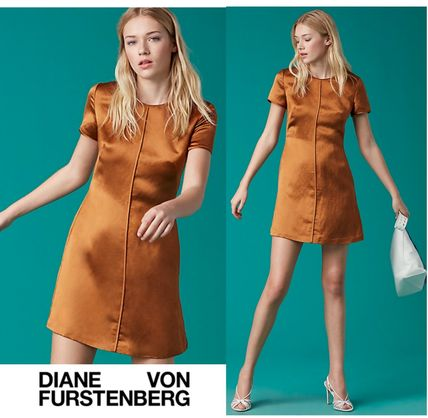 限定セール!DVF〓Short Sleeve Crew Neck Dress