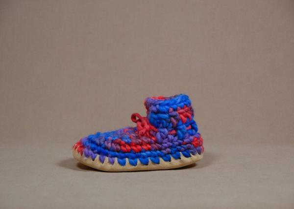 【 Padraig Cottage 】★ Child Slipper / Red Multi