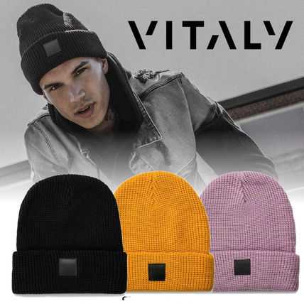 VITALY 大人気! PATCHED BEANIE レザーロゴパッチ入り ニット帽