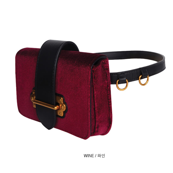 「OPEN THE DOOR」 velvet strap fanny bag (3 color)