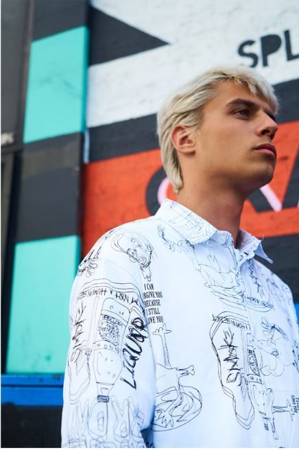 I AM NOT A HUMAN BEINGの[17FW]Doodle Pattern Shirt 全2色