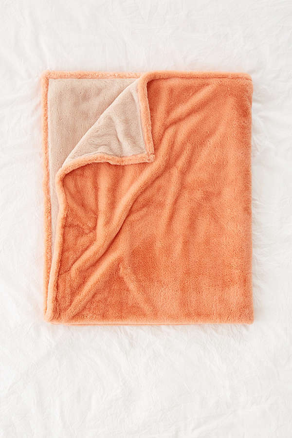 Urban Outfitters☆ Sylvie Plush Throw Blanket☆