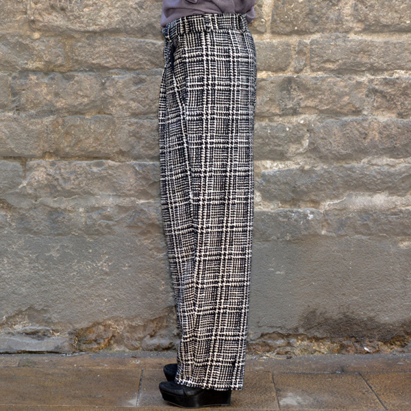 BLESS NO.59 ULTRA WIDE PLEATED TROUSERS TWEED BLACK/WHITE