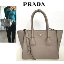 素敵♪♪《PRADA 》VITELLO GRAIN  2WAYバッグ【ARGILLA】