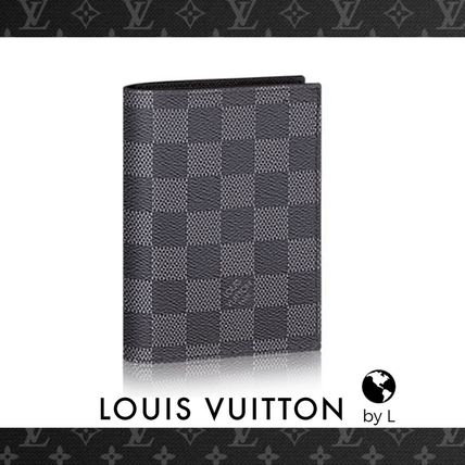 Louis Vuitton クーヴェルテュール・パスポール NM グラフィット