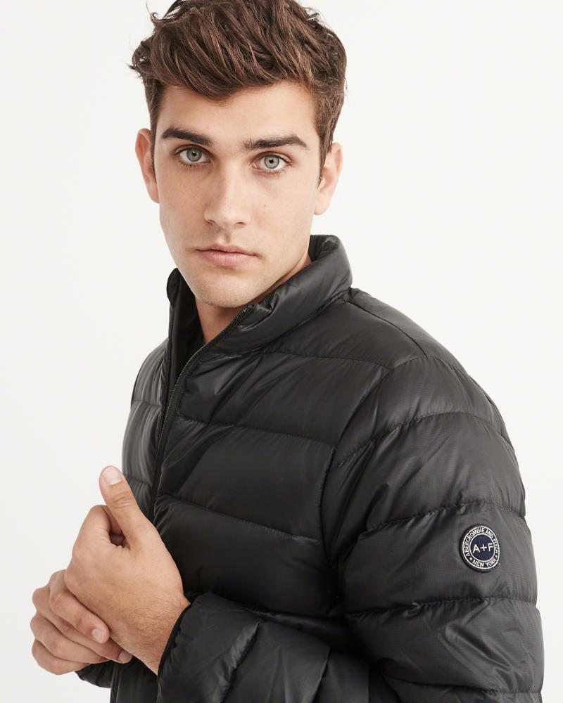 アバクロ メンズダウンLIGHTWEIGHT DOWN-FILLED PACKABLE PUFFER