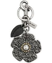 COACH Tooled Willow Floral Bag Charm★キーホルダー★フラワー