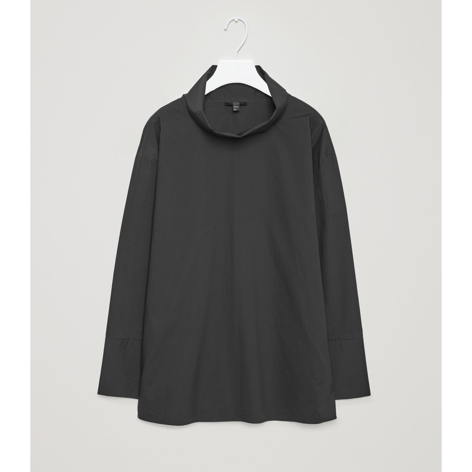 COS☆TOP WITH FOLDED NECKLINE / black