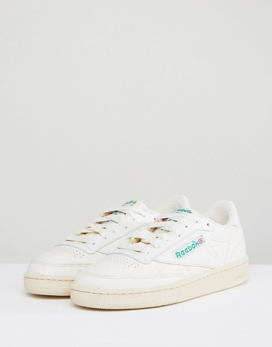Reebok Classic Club C Vintage Trainers In Chalk With Green
