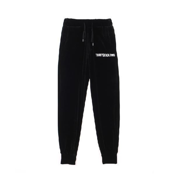 日本未入荷TARGETTOのVELVET TRAINING PANTS 全3色