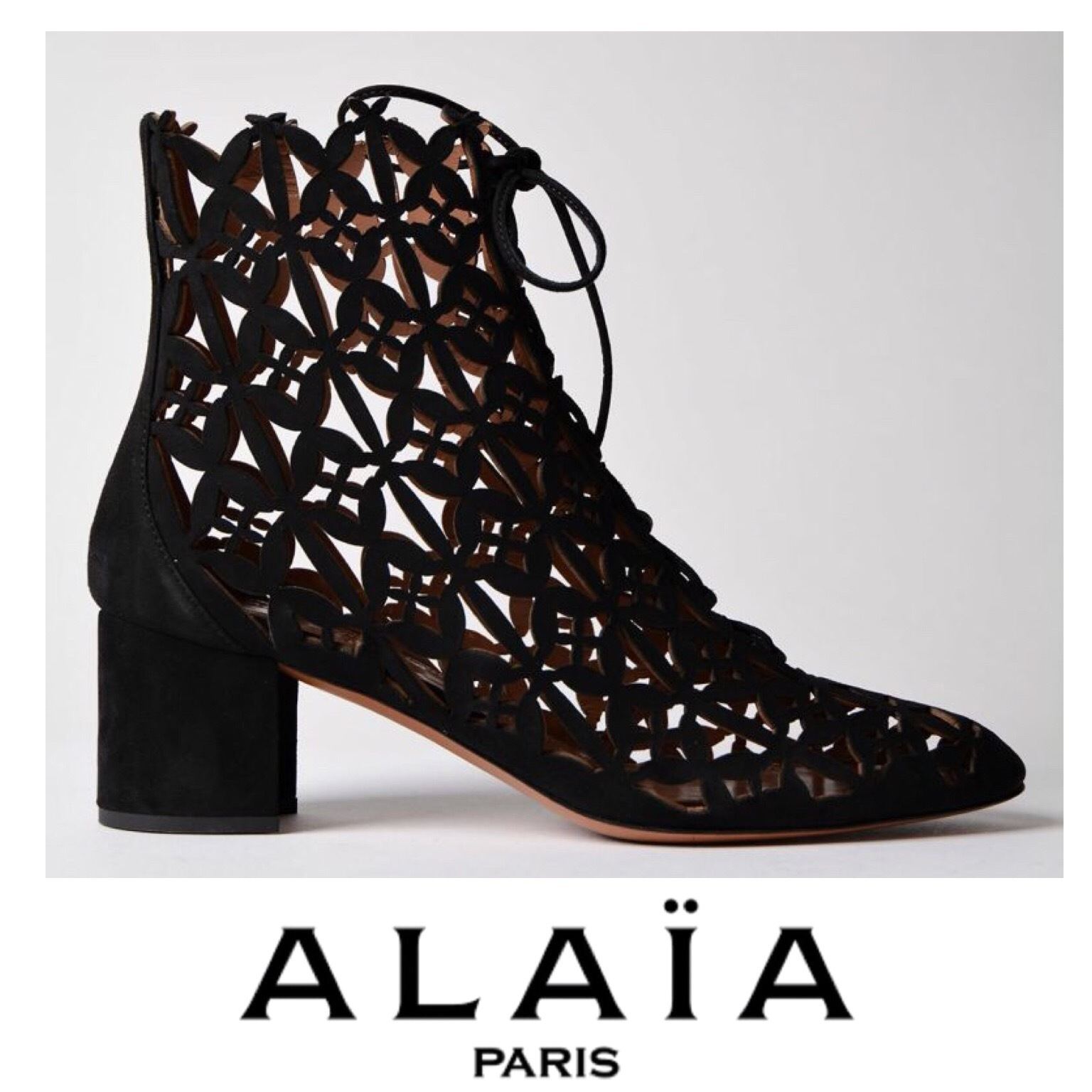 Azzedine Alaia Cut Out Ankle Boots 関税送料込