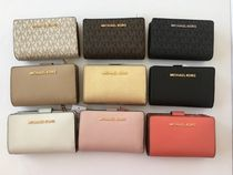 Michael Kors(マイケルコース) 折りたたみ財布 【Michael Kors】JET SET TRAVEL BIFOLD ZIP WALLET 二つ折財布