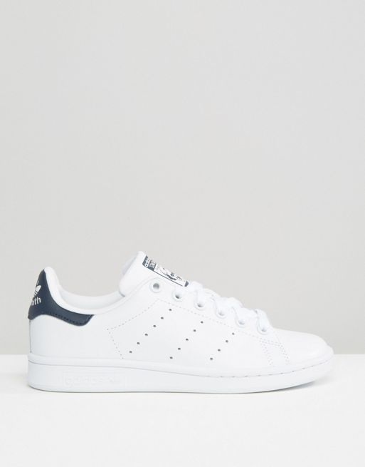 新作 日本未入荷 adidas Originals Unisex White And Nav 送関込