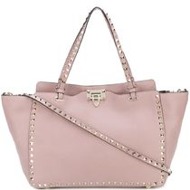 17-18AW V943 ROCKSTUD MEDIUM TOTE