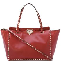 17-18AW V944 ROCKSTUD MEDIUM TOTE