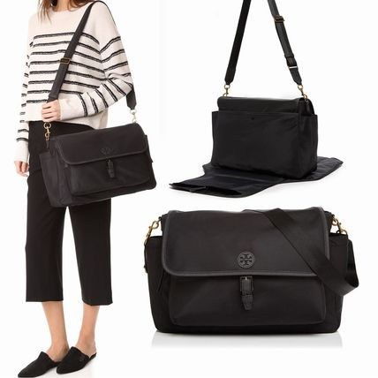 Tory Burch マザーズバッグ 国内入荷☆Tory Burch Scout Nylon Messenger Baby Bag