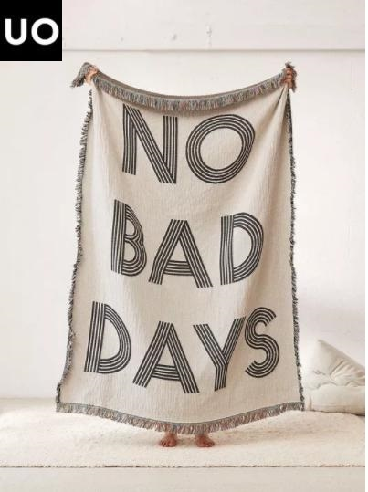 Urban Outfitters  No Bad Days ロゴ ブランケット 寝室に