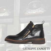 【GIUSEPPE ZANOTTI】Leather ankle boot with side gold zipper