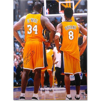 """Autographed NBA Lakers Shaquille O'Neal 30"""" x 40"""" Photograph"""