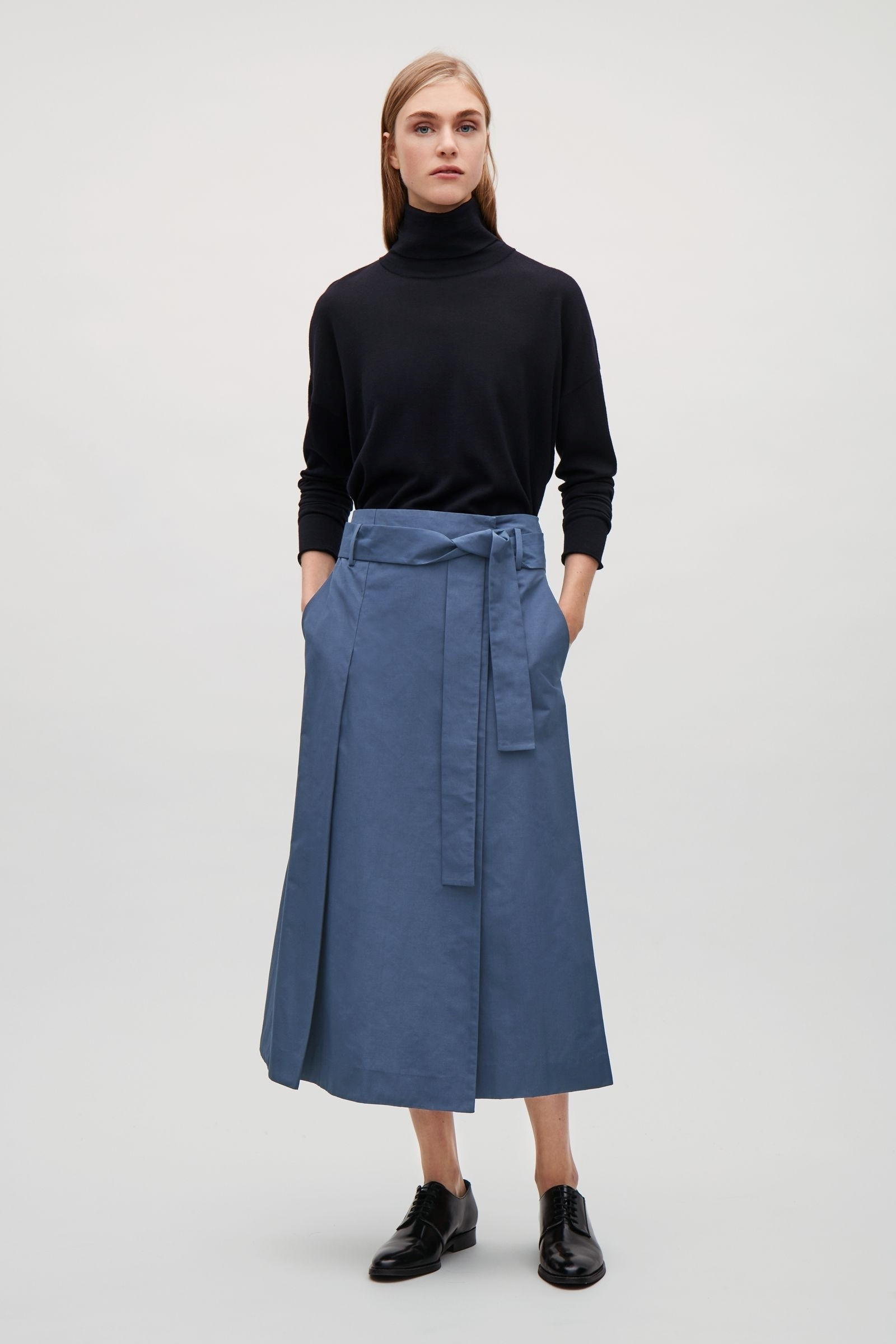 COS(H&M)新作☆BELTED TROUSERS WITH OVERLAP FRONT