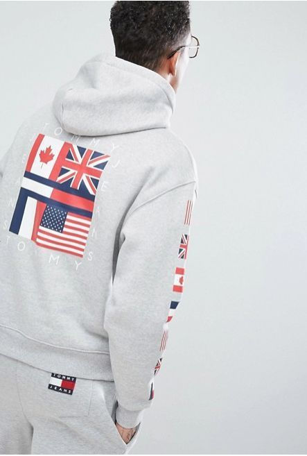Tommy Jeans 90s Capsule 袖 ロゴ バックプリントパーカー