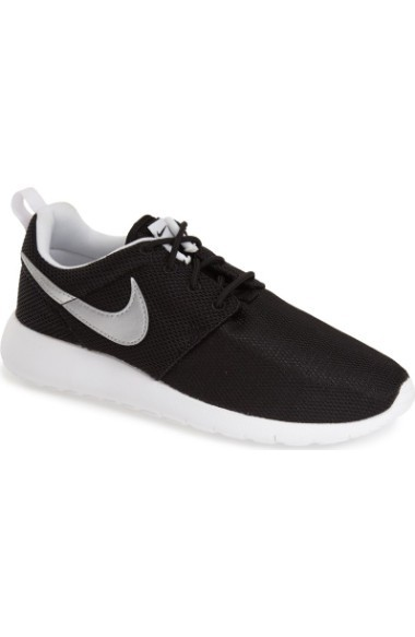 関税送料込みNike 'Roshe Run' Sneaker (Little Kid & Big  人気