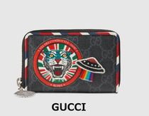 Gucci(グッチ)Night Courrier GG Supreme カードケース