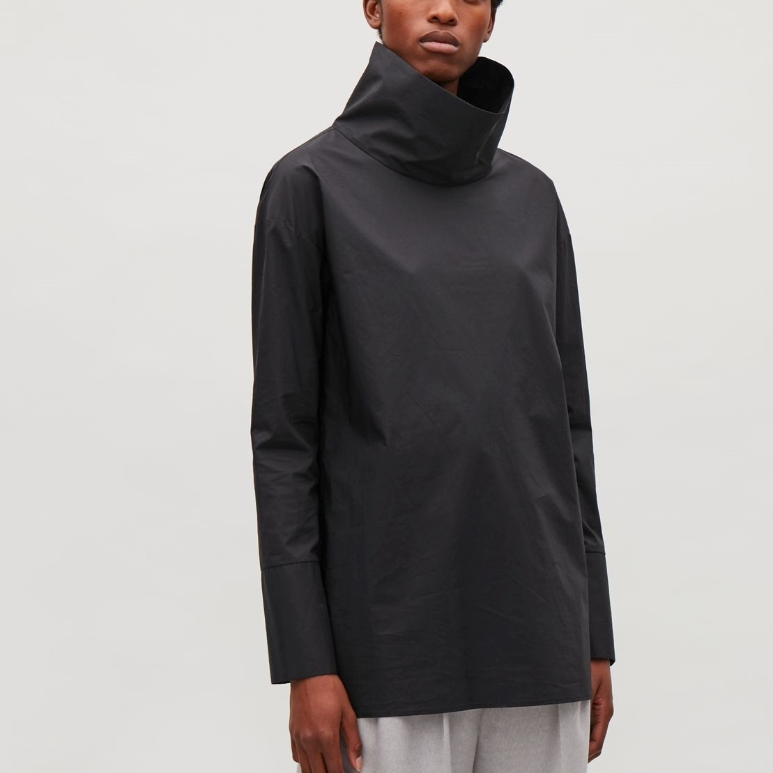 """COS""TOP WITH FOLDED NECKLINE BLACK"