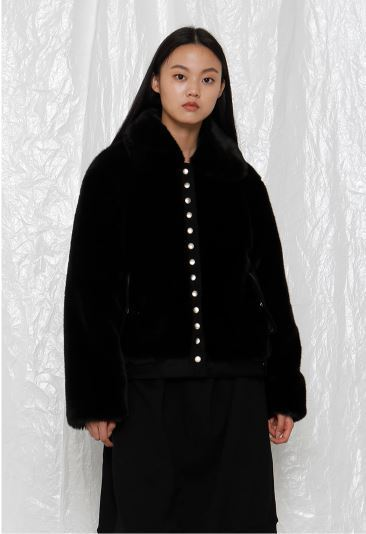 日本未入荷 ROCKET X LUNCHのR REPEATED BUTTON FUR JACKET