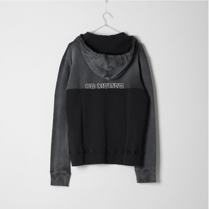 Saint Laurent 「LOVE ME FOR EVER OR NEVER」 プリントパーカー
