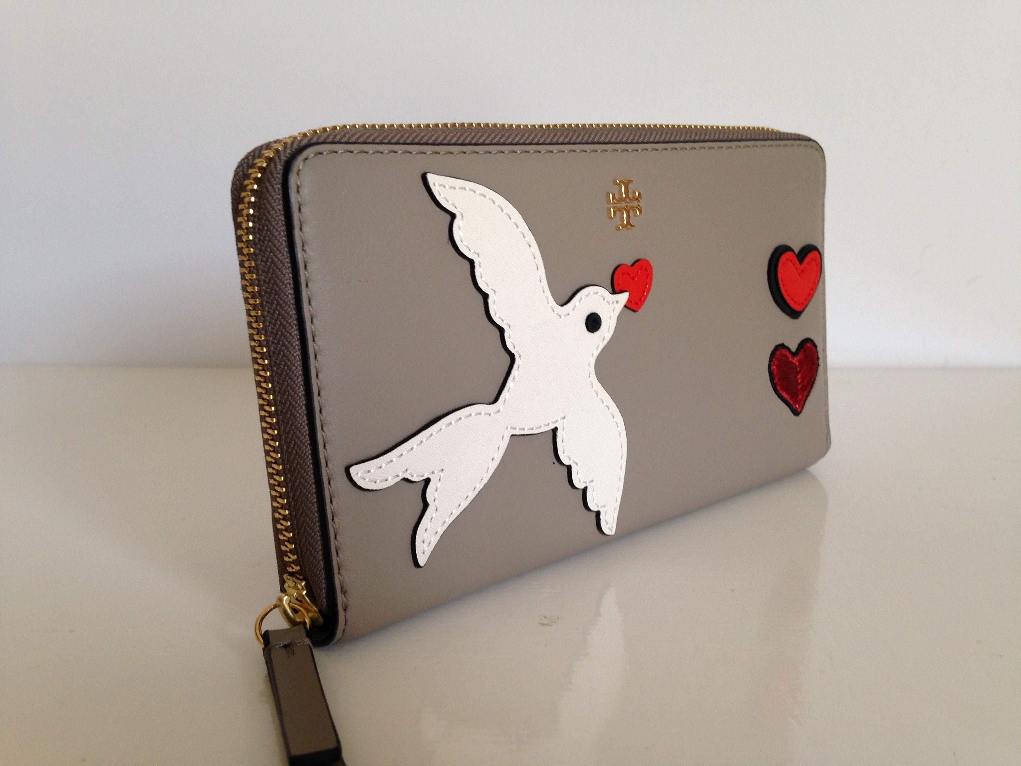 TORY BURCH PEACE EMBELLISHED ZIP CONTINENTAL WALLET  即発送
