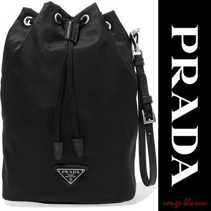 PRADA メイクポーチ 【国内発送】PRADA Vela leather-trimmed shell cosmetics case