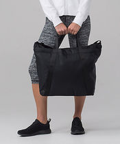 セール! [lululemon]♥使える! Carry the Day Bag (21L)