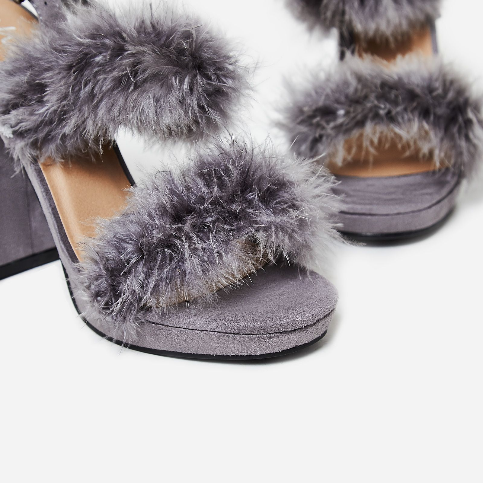 【送料関税込み】Paige Fluffy Block Heel In Grey  EGO☆ヒール