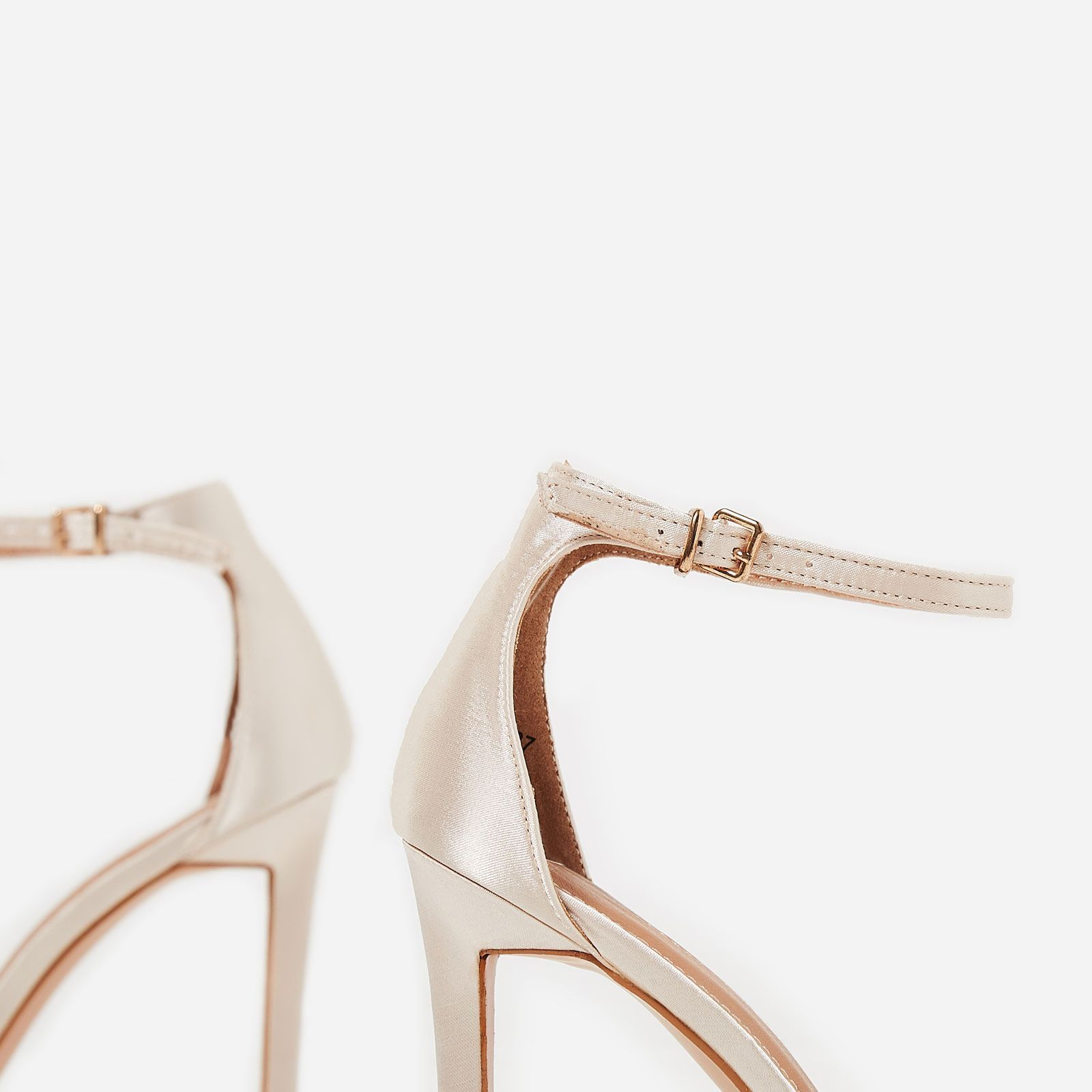 【送料関税込み】Isabel Barely There Heel In Nude EGO☆ヒール