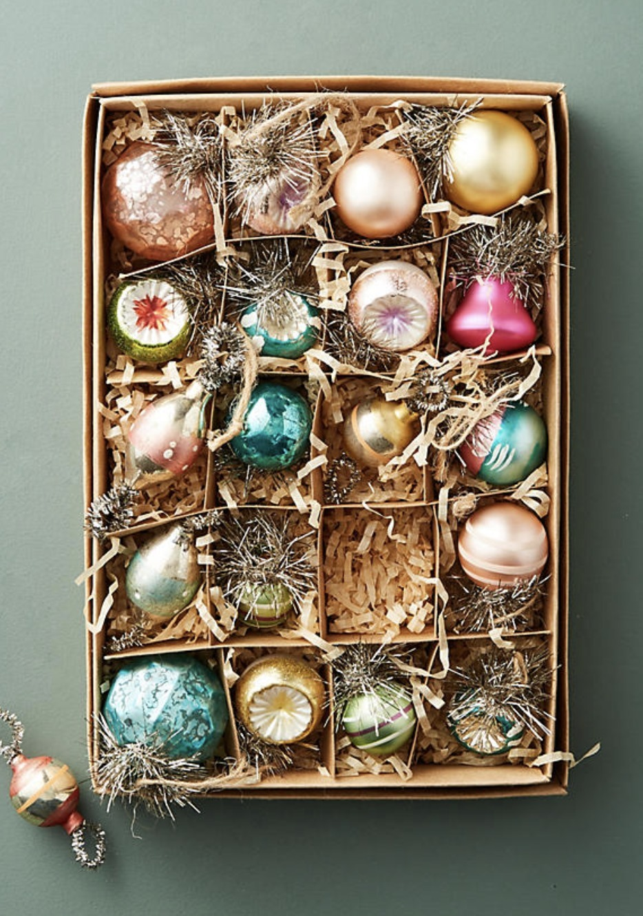 Vintage-Inspired Ornament Set
