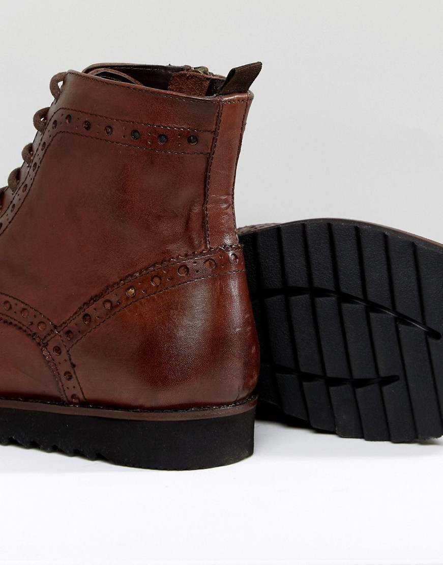 ◎送料込み◎ ASOS Brogue Boots In Brown Leather With Black