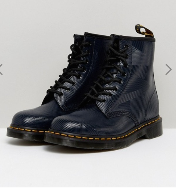 ★送料込【Dr Martens】1460 8 Eye Graphic Embossed Boots ♪