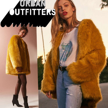 ● Urban Outfitters ● Ami Faux ノーカラー ファーコート