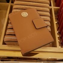 セール!Tory Burch★ ROBINSON SNAP PASSPORT HOLDER